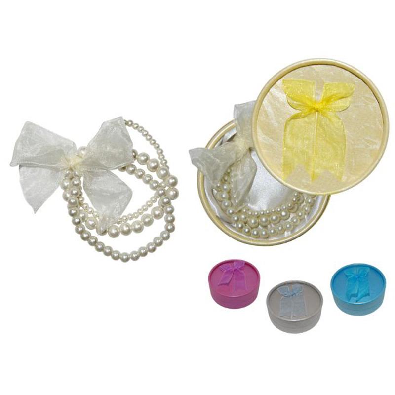 Pulsera triple de perlas con lazo y cajita de regalo