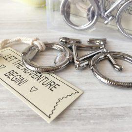 abrebotellas-bicicleta-en-caja-de-regalo-detalles-de-boda-para-hombres2