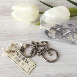 abrebotellas-bicicleta-en-caja-de-regalo-detalles-de-boda-para-hombres4