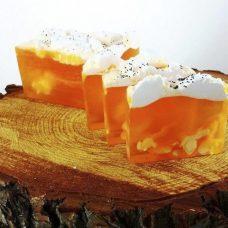 Barra de jabón glicerina batida con aroma a frutas de la pasión