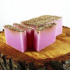 Barra de jabón de glicerina con semillas de sandía y menta