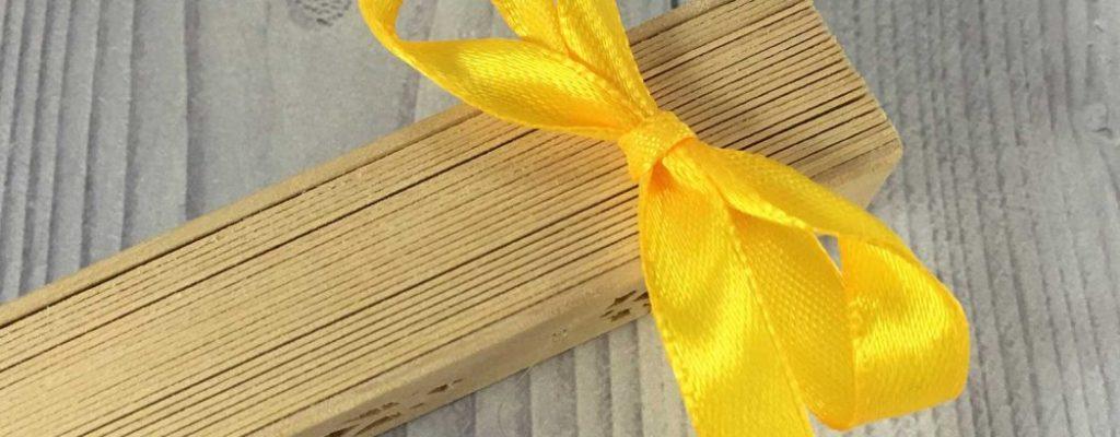 abanico de madera para boda