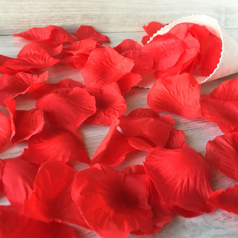 Bolsa de pétalos de rosas rojos