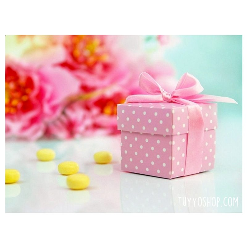 Cajita para regalo Rosa con topitos y lazo