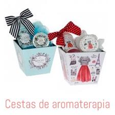 Compre a suas lembranças de casamento comodamente cestas