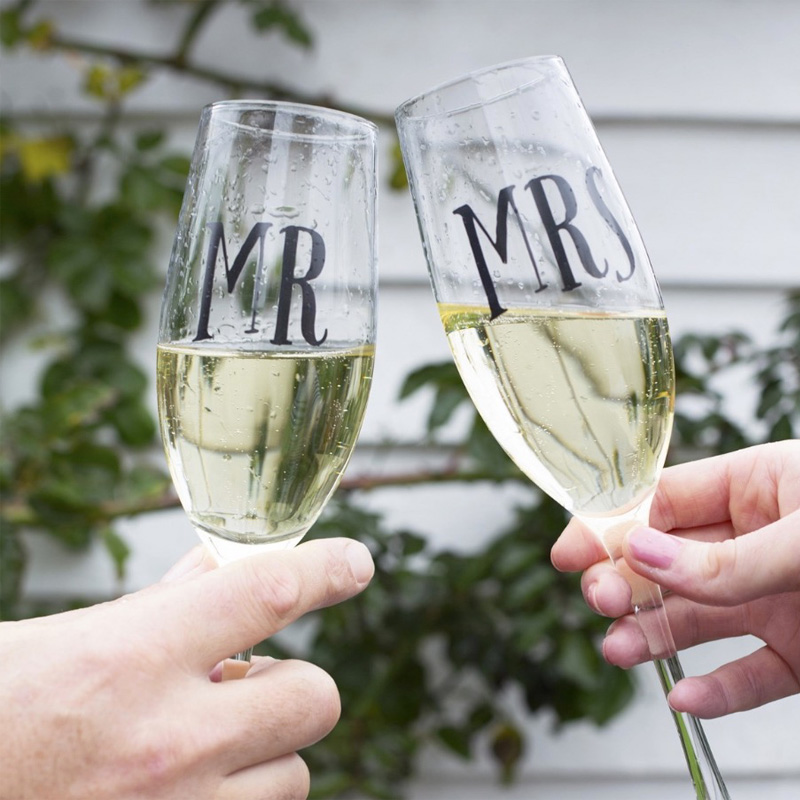 Copas de champán para bodas. Brindis. Mr & Mrs.