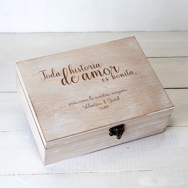 Cofre de madera personalizado. 23x17cm