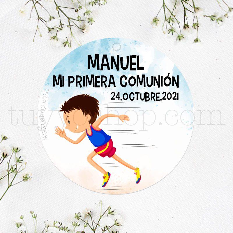 Etiqueta de comunión Niño haciendo Atletismo