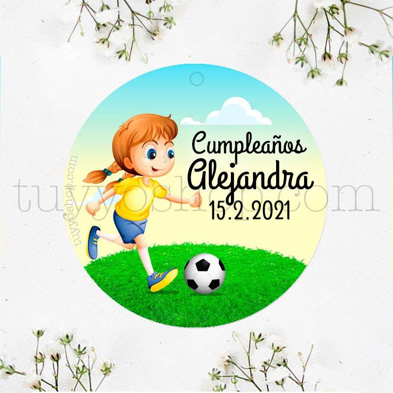 Etiqueta de cumpleaños Niña jugando a Fútbol