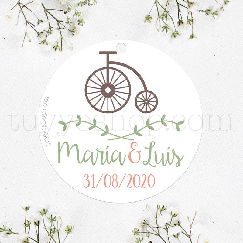 Bonita etiqueta para boda con un diseño de bicicleta retro vintage.