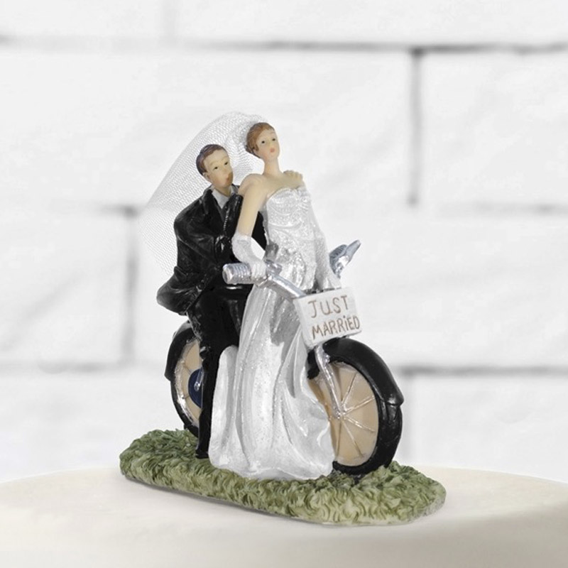 Figura para tarta de boda. Novios en moto. Just Married