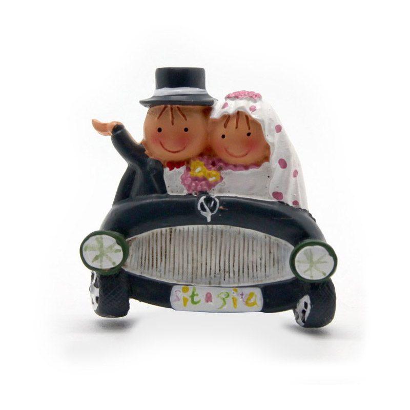 Imán para boda, novios en coche