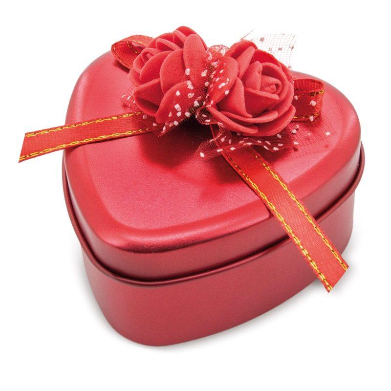 Estuche de rosas perfumadas. Forma de corazón. 3 colores.