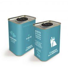 Latita personalizada de aceite de oliva para boda. Modelo Cuore. 150ml