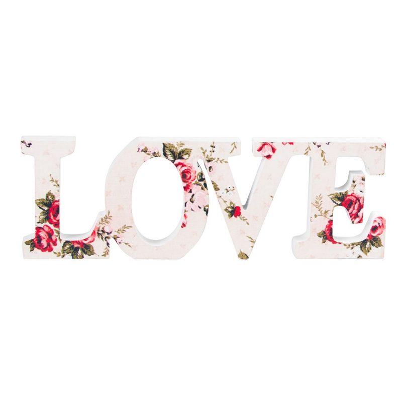 Palabra love en madera con estampado floral