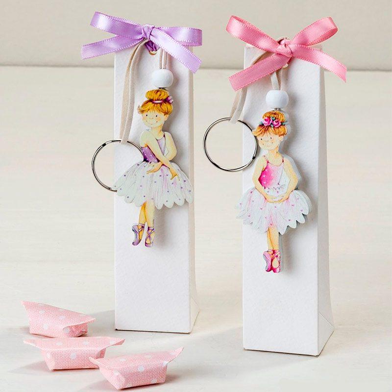 Llavero bailarina presentado en cajita con caramelos. 2 colores llavero bailarina en presentado en cajita con caramelos 2 colores detalles comunion