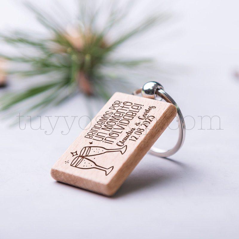 Llavero de madera personalizado, grabado láser, brindis, 5x3cm llavero personalizado boda modelo brindis4