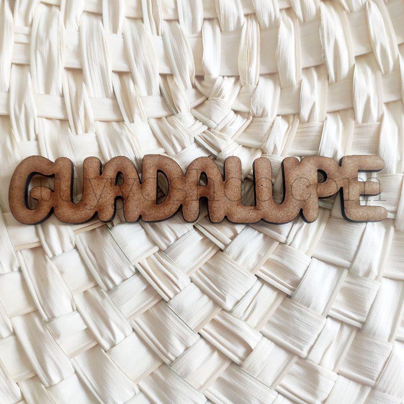 Nombres marcasitios en madera para boda, 3mm, personalizables, informal marcasitio para boda modelo informal4