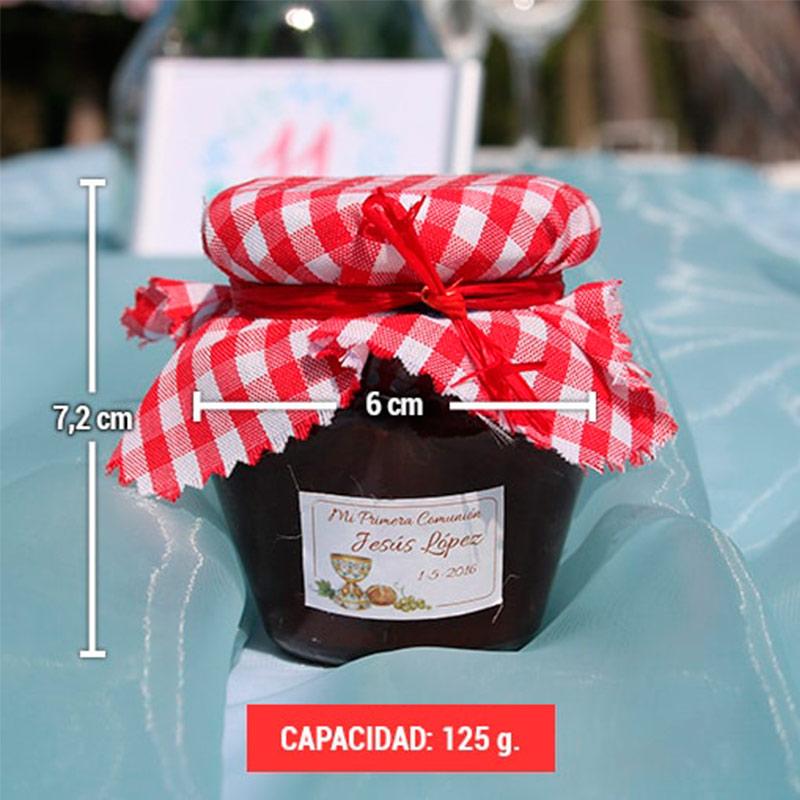 Dimensiones y sugerencia de presentación de un bote de mermelada para boda de 125 gramos.