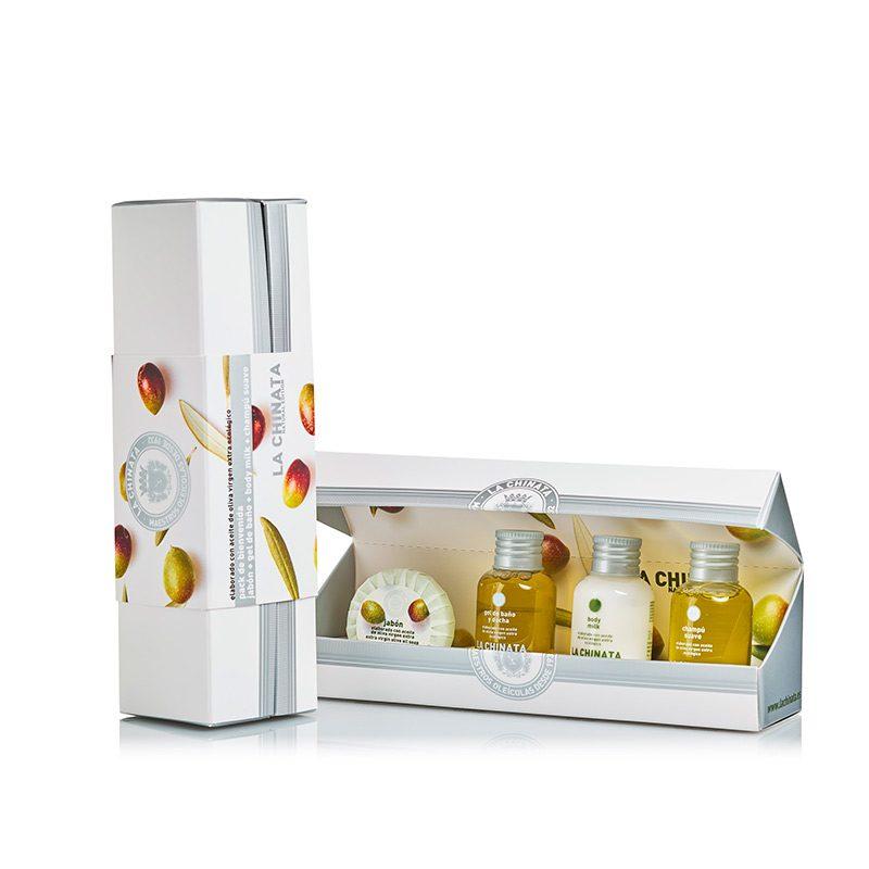 Pack de miniaturas de cosméticos para regalo. 4 productos. Estuche incluido.