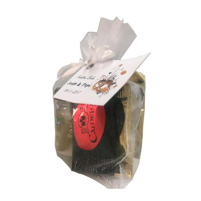Pack de queso de cabra de 30gr y 5 chocolatinas. Bolsa de organza incluída.