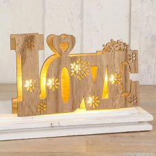 Palabra love en madera con luces led