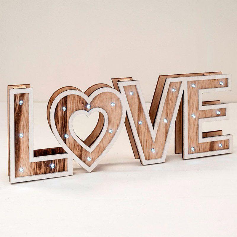 Palabra LOVE en madera y luces led, modelo Corazón 40cm