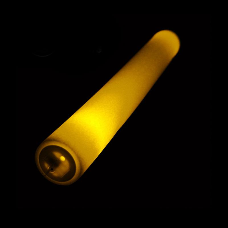 Palo de espuma Led. Especial para eventos. 47cm. Pilas incluidas. Color amarillo palos luminosos led color amarillo2