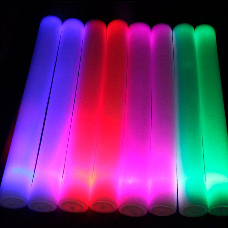Palo de espuma Led. Especial para eventos. 47cm. Pilas incluidas. Color rojo palos luminosos led colores