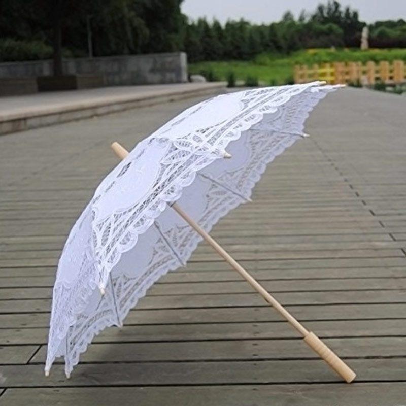 Paraguas de encaje para novia. 48cm. Encaje y mango de madera. Blanco.