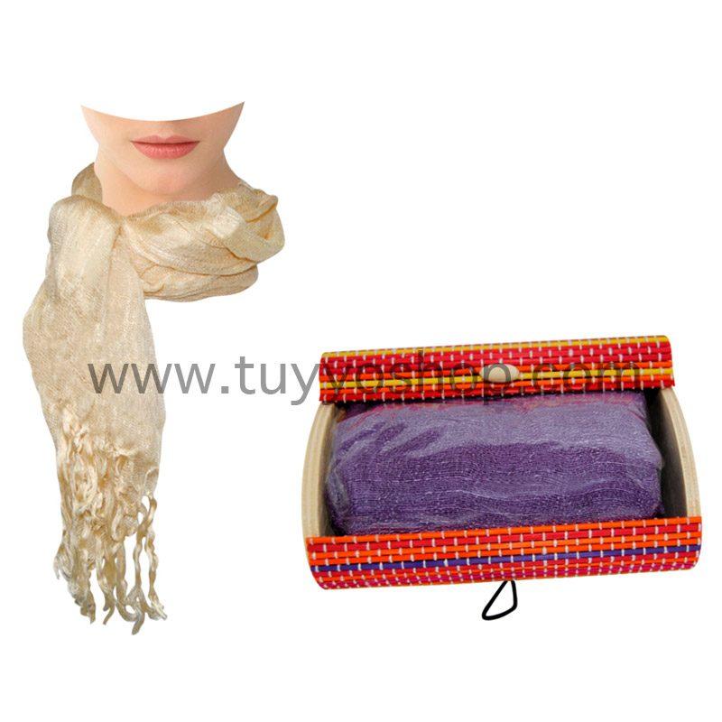 pashmina de lino presentada en cajita de madera