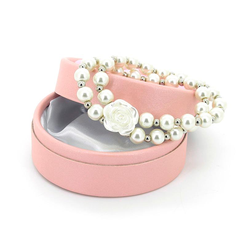 Pulsera de perlas con rosa + cajita de regalo