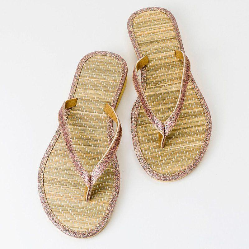 Sandalias para boda tela brillo y bambú. Talla L