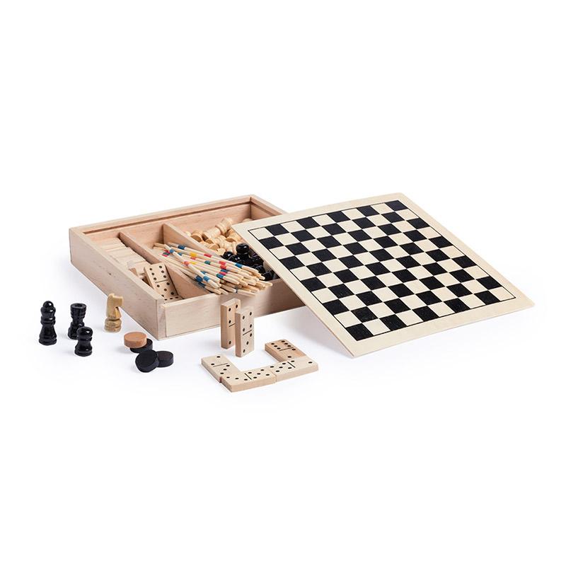 Set de 4 juegos en madera. 16x16cm.