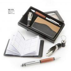 Set de agenda con bolígrafo y tapón antigoteo