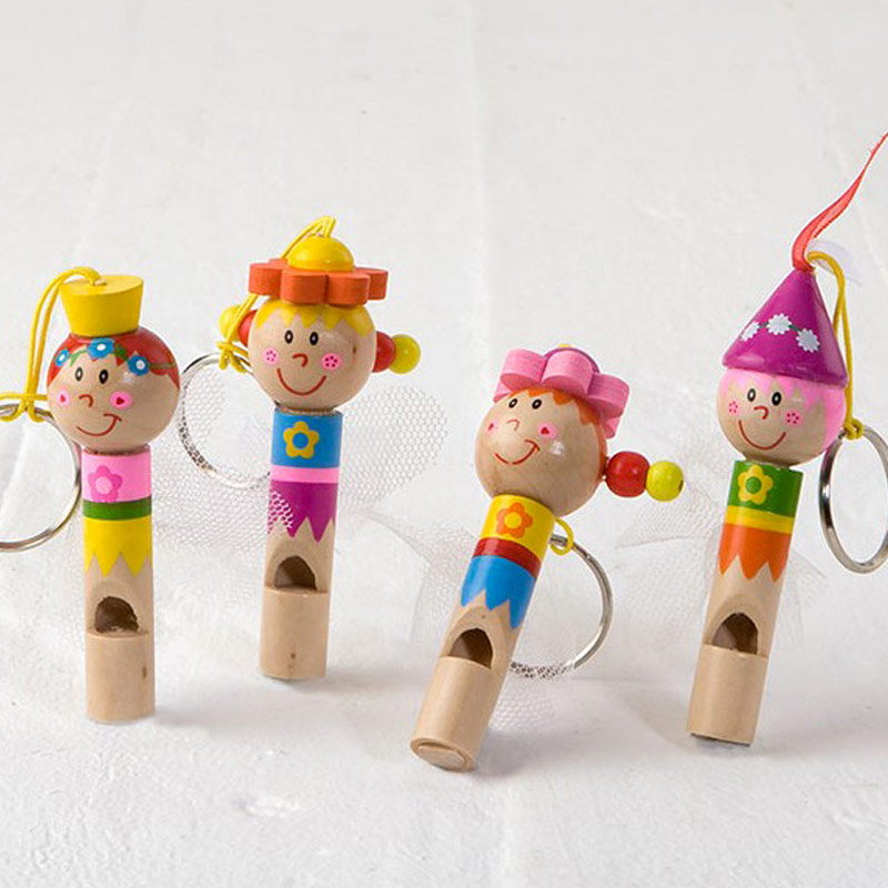 Silbato de madera modelo hadas. Detalles infantiles.