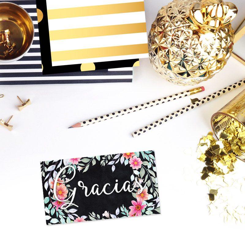 tarjeta de agradecimiento modelo corona floral rosas