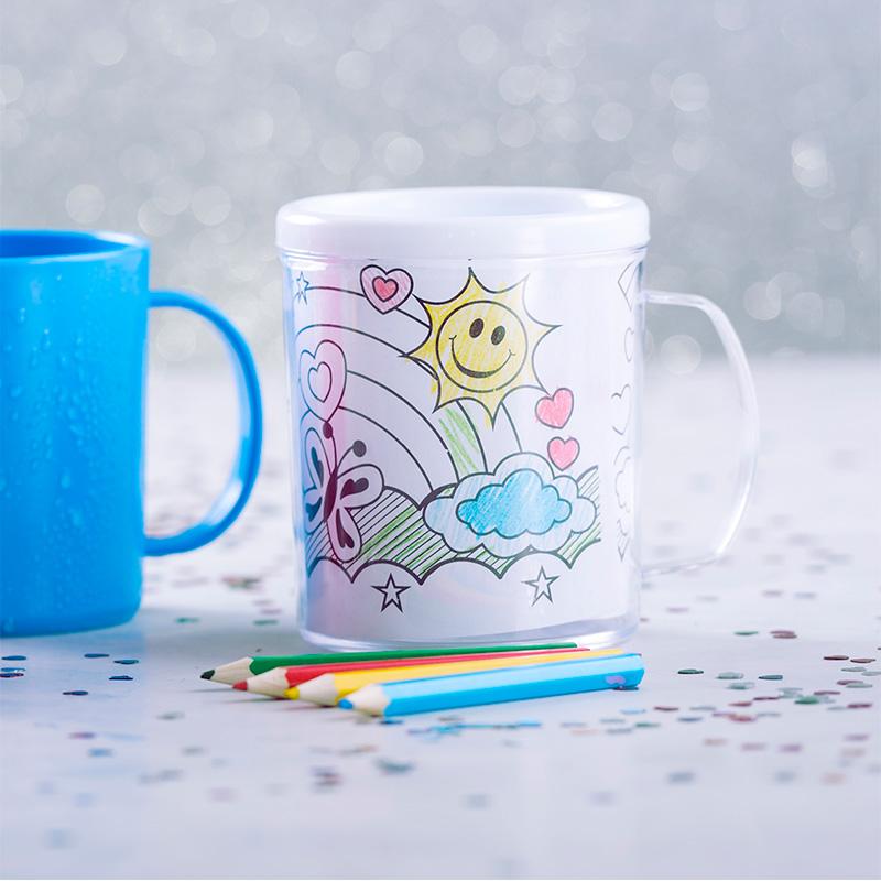 Taza para niños. Crea tu propio dibujo. Incluye lápices y primeras plantillas.