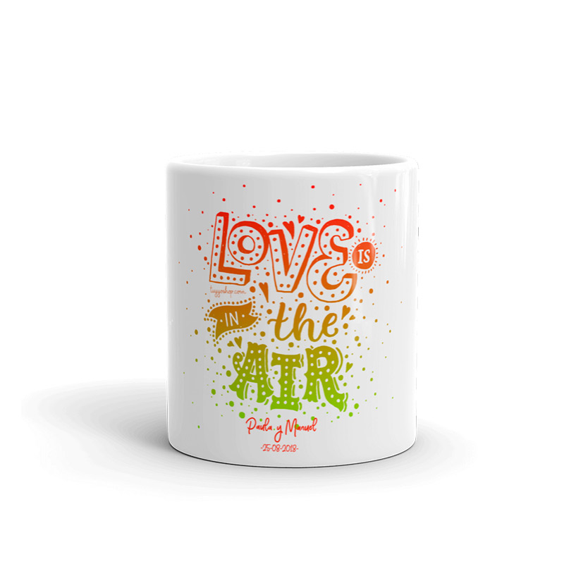 "Taza personalizada para boda diseño ""Love is in the air"""