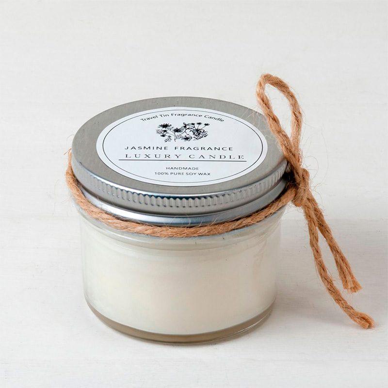Vela aromática jazmín en tarro. Incluye cordón. 6,5x6cm