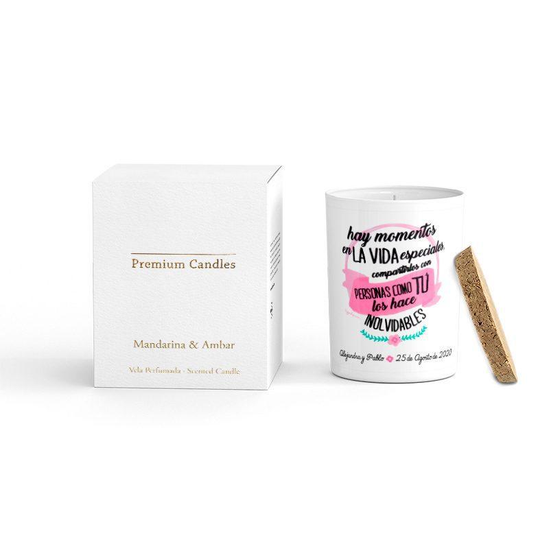 Vela Premium en color blanco. Tapa corcho y caja de regalo. Personalizable